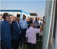 وزير التنمية المحلية يتفقد وحدة الغسيل الكلوي بمستشفي جامعة أسيوط