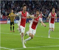 فيديو| أياكس يسحق أثينا بثلاثية في دوري الأبطال