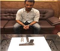 مباحث الشرابية تضبط عاطل بحوزته سلاح ناري و 10 طلقات