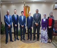 وزير الشباب والرياضة يلتقى سفير اليابان لبحث التعاون الثنائي