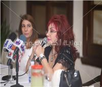 صور| مفيد فوزي ونبيلة عبيد وسميرة أحمد بصالون إحسان عبدالقدوس