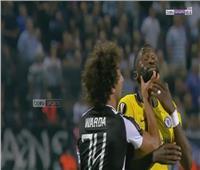 فيديو| لحظة اشتباك عمرو وردة مع «روديجير» في مواجهة «تشيلسي وباوك»