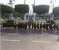 موسيقى الشرطة تشارك طلاب جامعة القاهرة أول يوم في العام الدراسي الجديد