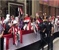 بالصور.. ضباط شرطة نيويورك يشاركون المصريون احتفالاتهم بزيارة السيسي