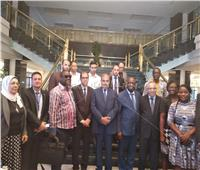 صور| وفد اتحاد الجامعات الإفريقية يلتقط الصور التذكارية مع رئيس جامعة الأزهر