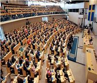 البرلمان السويدي يصوت بسحب الثقة من رئيس الوزراء
