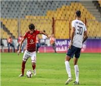 تعرّف على طاقم تحكيم مباراة الأهلي والنجمة اللبناني