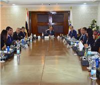 وزير التنمية المحلية يجتمع بوفد إماراتي لبحث منظومة المخلفات الصلبة
