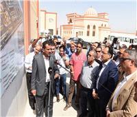 رئيس الوزراء يتفقد قرية النساجين بسوهاج