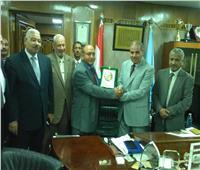 المحرصاوي يناقش تطوير نادي أعضاء هيئة التدريس بفرع أسيوط