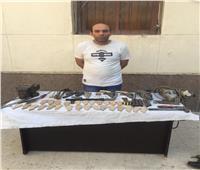 القبض على حداد حول ورشته لتصنيع الأسلحة النارية بالبساتين