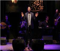علي الحجار يقدم أغاني ألبومه الأخير في حفله الشهري بساقية الصاوي