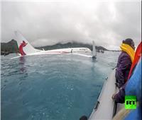 شاهد.. سقوط طائرة ركاب في المحيط الهادئ دون إصابات