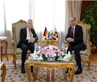 وزير الطيران وسفير ألمانيا يبحثان تطويراتفاقية «النقل الجوي»