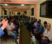 صور| بحضور نقيب الصحفيين.. حشد إعلامي وفني ضخم في عزاء «هند موسى»