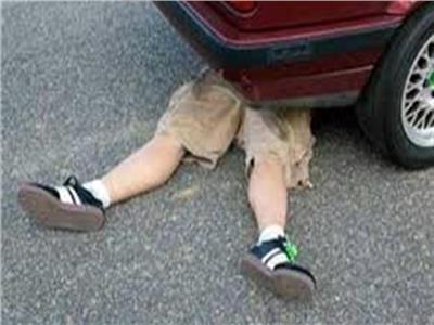 مصرع طفل تحت عجلات سيارة نقل غرب الإسكندرية