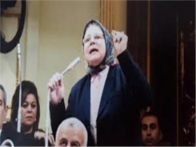 «شيرين فراج» تمتنع عن التصويت على قانون التجارب السريرية