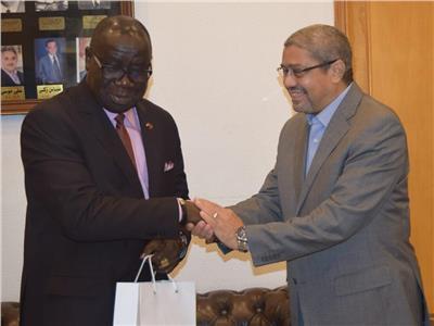 «غرفة القاهرة» تستقبل وفد سفارة ليبيريا لبحث زيادة الصادرات
