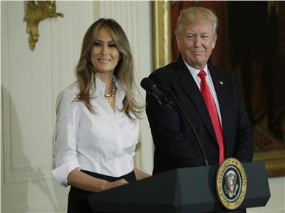 ترامب يعرب عن فخر بزوجته أثناء زيارتها لغانا