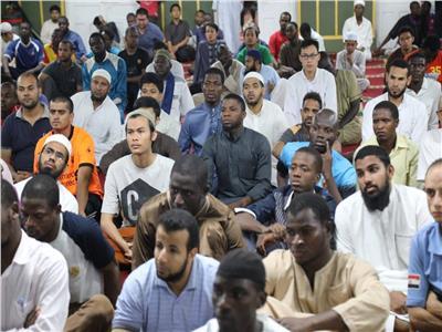 «البحوث الإسلامية» يناقش الطلاب الوافدين في أسباب التطرف وعلاجه