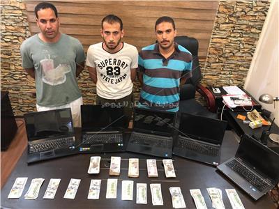 ضبط المتهمين بسرقة خزينة إحدى الشركات بالنزهة
