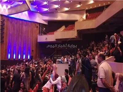 حفيدة نادية لطفي تتسلم تكريمها من «الإسكندرية السينمائي»