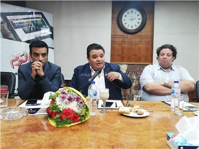 خالد جلال مدافعًا عن محمد رمضان: «ملتزم ويحترم فريق العمل»