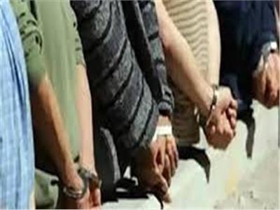 القبض على 5 عاطلين بحوزتهم كمية من الفودو والإستروكس بالقليوبية