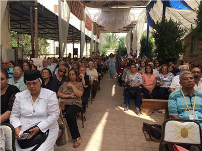 الكاثوليكية تقيم مهرجان «خليك فرحان» لكبار السن