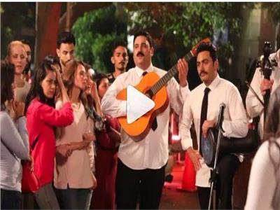 شاهد| تامر حسني ينشر فيديو «متعودة دايما» من كواليس «البدلة»