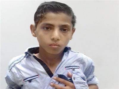 «مأساة طفل» أجرى ١٥ عملية جراحية.. والأطباء: «مفيش فايدة»