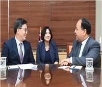 محمد معيط ونائب رئيس الوزراء الكوري يناقشان ملفات الاقتصاد والاستثمار