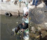 صور| «أكوام القمامة» تغلق محطة الطابية بالإسكندرية