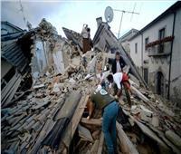 إندونيسيا تأمر عاملي الإغاثة الأجانب بمغادرة منطقة الزلزال