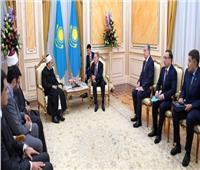 وزير التنمية المجتمعية الكازاخي يقيم مأدبة عشاء ترحيبا بـ«الطيب»