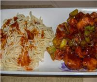 طبق اليوم.. «دجاج صيني سويت آند ساور»