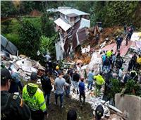 11 قتيلا وآخرون مفقودون بعد انهيارات أرضية وسط كولومبيا