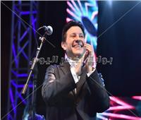صور| هاني شاكر يحتفل بانتصارات أكتوبر في الإسكندرية