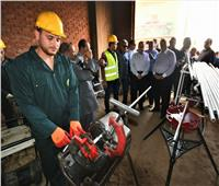 وزير البترول يتفقد أعمال توصيل الغاز للمنازل