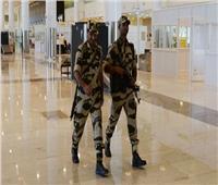 الحكومة الهندية تمنع ضباط الأمن في المطار من «الضحك»
