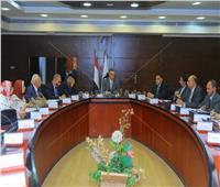 صور  وزير النقل يتابع تنفيذ مشروع  تطوير«مزلقانات السكة الحديد»