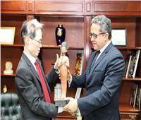 وزير الآثار يلتقي سفير اليابان بالقاهرة بعد توليه مهام منصبه