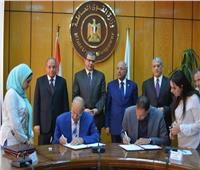 «سعفان» يشهد توقيع اتفاقية بصرف علاوة خاصة لـ 800 ألف عامل