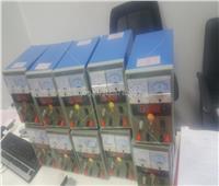 فيديو  ضبط 200 جهاز اتصال لاسلكي داخل طرد بالمطار