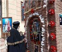 البابا تواضروس يزور مدفن الأنبا بيشوي