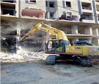 إزالة عقار مخالف بالمنتزه في الإسكندرية