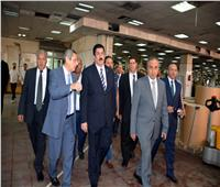 نقيب الصحفيين ومحافظ القليوبية يبحثان إنشاء مجمع مدراس دولية بمطابع الأهرام
