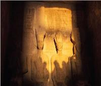 بدء ظاهرة تعامد الشمس على وجه تمثال رمسيس الثاني بمعبد أبو سمبل
