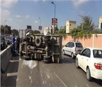 إصابة 12 عامل في حادث انقلاب سيارة بالحوامدية