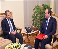 لبنان يدعو الرئيس السيسي للمشاركة في القمة الاقتصادية العربية